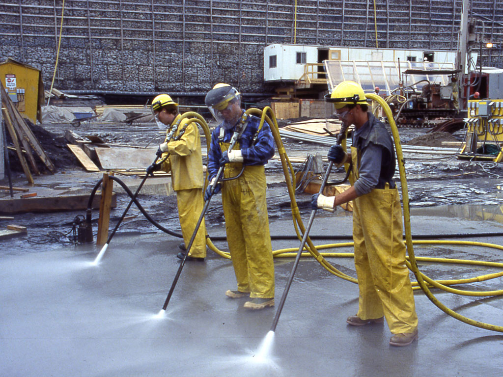 Power Cleaning Services : The benefits of power washing commercial cleaning services